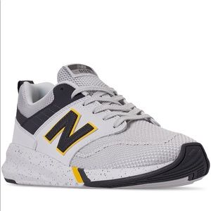 Men's new balance casual sneaker
